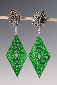 Sifen chang jadeite earrings, white gold, diamonds